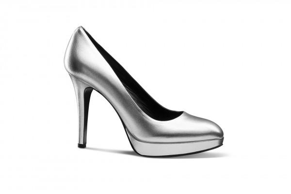 Produkfotografie - Packshot eines Schuhs.