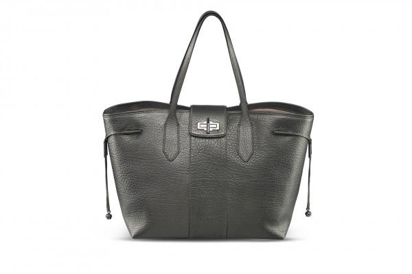 Produkfotografie - Packshot einer Damenhandtasche
