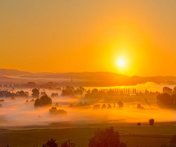 Landschaftsfotografie Morgennebel über den Feldern