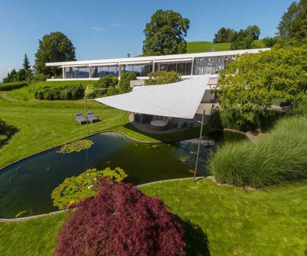 Architekturfotografie Sonnensegel Teich