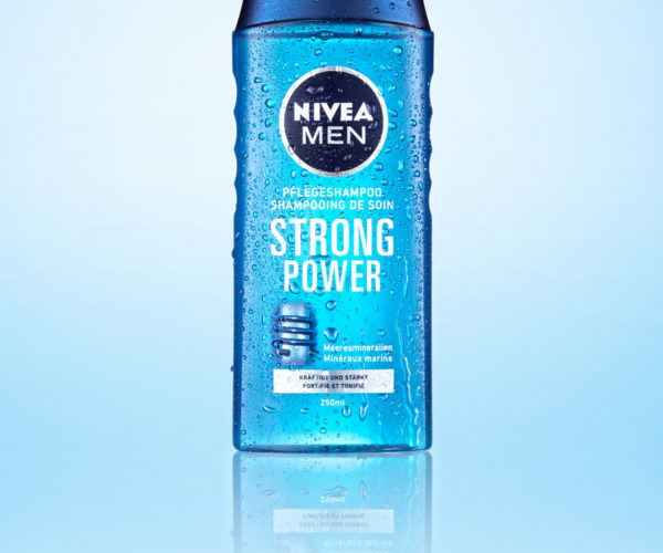 Produktfotografie Packshot: Strong Power von Nivea