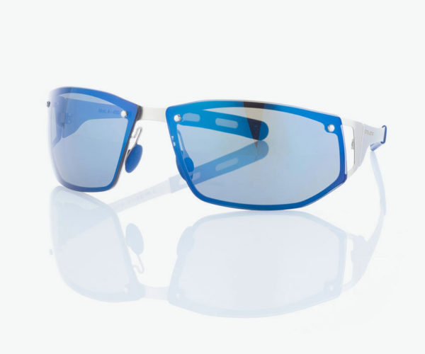 Produktfotografie Packshot: Brille blau