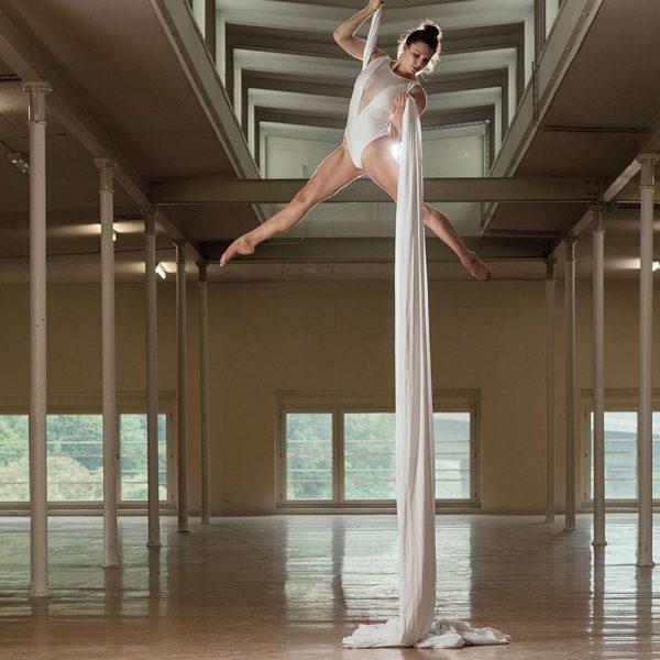 Sportfotografie: Akrobatik im Vertikaltuch - Sportfotograf Andrea Scavini